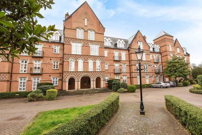 Thumbnail Flat for sale in Virginia Park, Virginia Water
