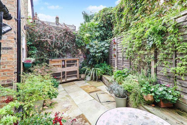 Garden of Whitworth Street, Greenwich SE10
