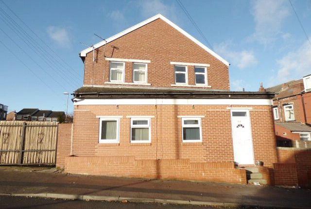 Thumbnail Flat to rent in Aston Mount, Bramley, Leeds