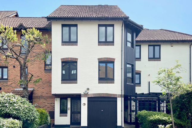 Thumbnail Town house to rent in Channel Way, Ocean Village, Southampton