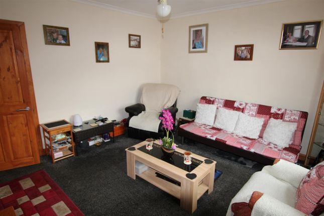 Lounge of Eastbury Avenue, Bradford BD6