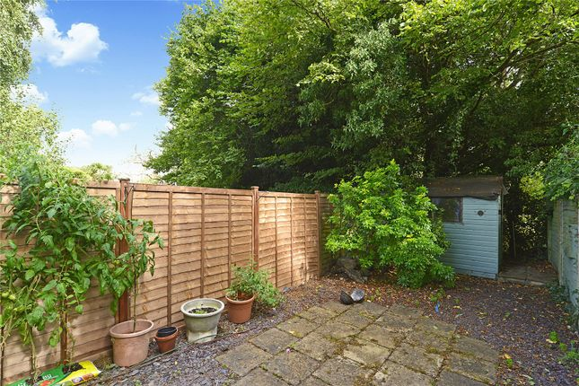 Picture No. 16 of 6 Yew Tree Road, Witley, Surrey GU8