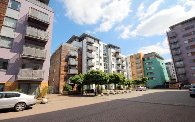 Thumbnail Flat to rent in Idaho Building, Deals Gateway SE13, London