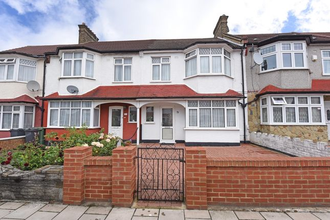 Thumbnail Terraced house for sale in Gracefield Gardens, London