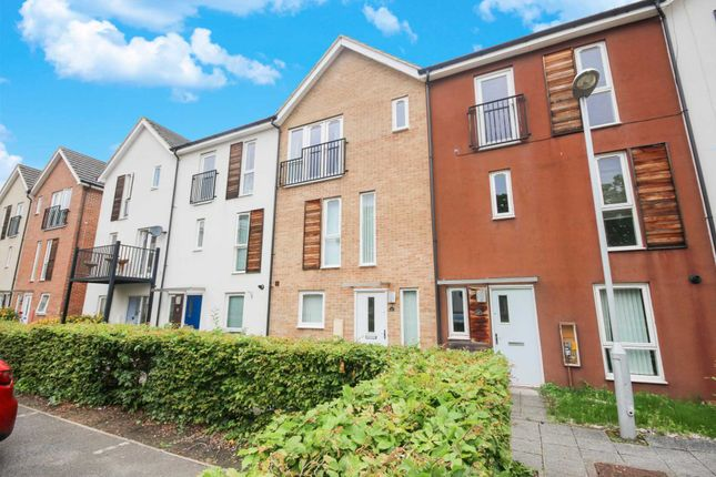 Thumbnail Town house to rent in Vulcan Drive, Bracknell