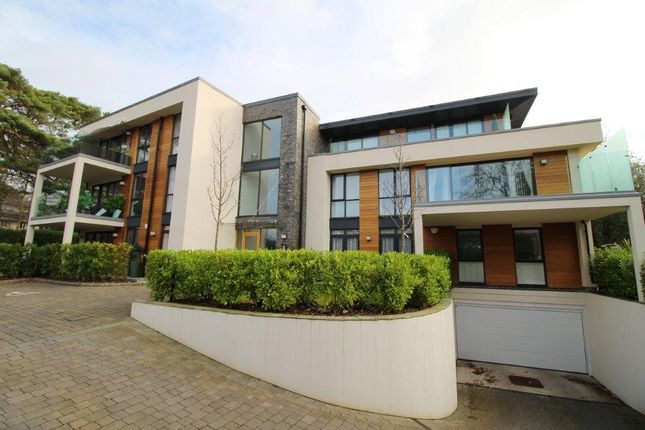 Thumbnail Flat to rent in 51 Haven Road, Canford Clffs, Poole