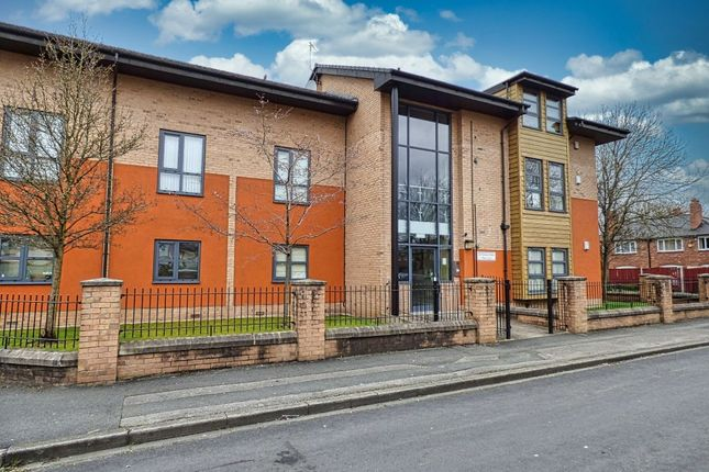 2 bed flat for sale in Ventura Close, Fallowfield, Manchester, Greater Manchester M14