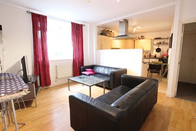 Thumbnail Shared accommodation to rent in Grove Street, London