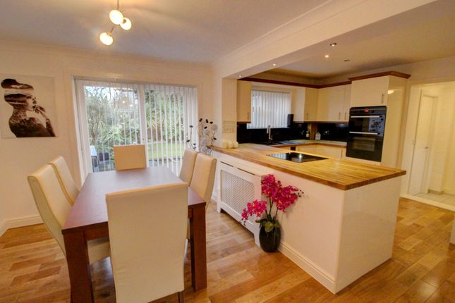 4 bed end terrace house for sale in Clintons Green, Bracknell