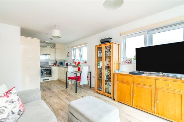 Thumbnail Flat for sale in Ashcombe House, Meridian Way, Southampton