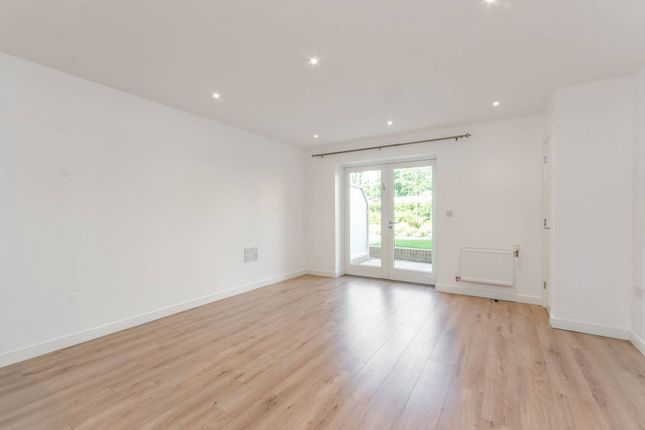 Thumbnail Flat to rent in Kingston Road, Wimbledon