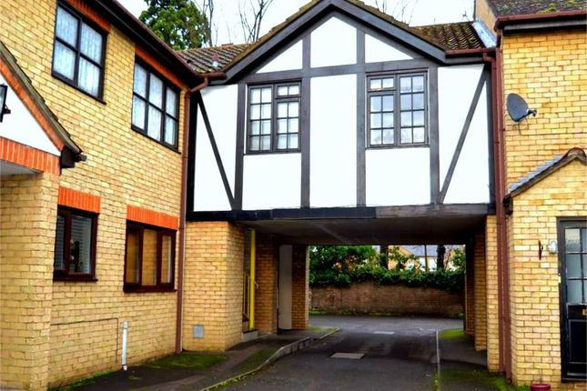 Thumbnail Flat to rent in Cambridge Street, St. Neots