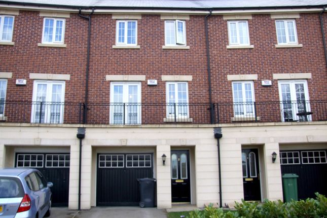 Thumbnail Detached house to rent in Salamanca Crescent, Middleton, Leeds