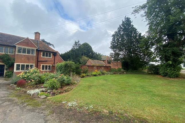 2 bed semi-detached house to rent in The Gate House, Malvern, Worcestershire WR13
