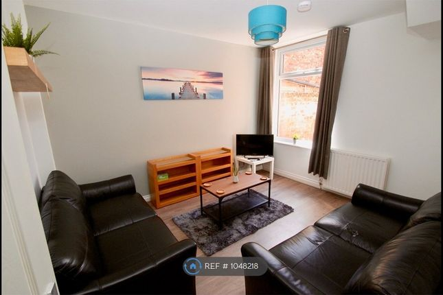 4 bed terraced house to rent in Oxford Street, Middlesbrough TS1