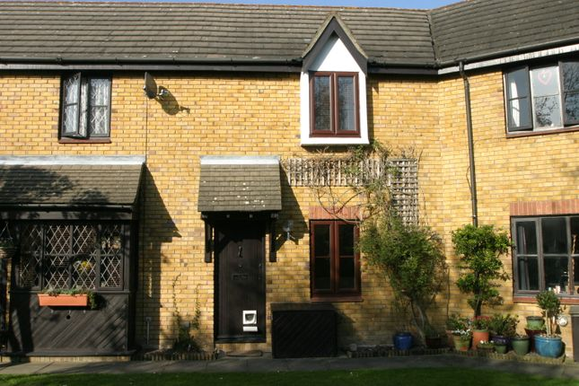 1 bed terraced house to rent in Hyacinth Close, Hampton TW12