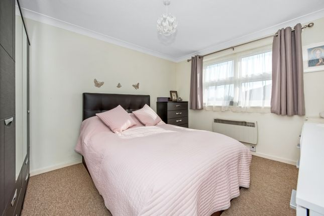 Bedroom of Croftongate Way, London SE4