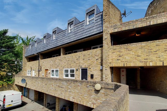 Thumbnail Flat for sale in Friar Mews, London