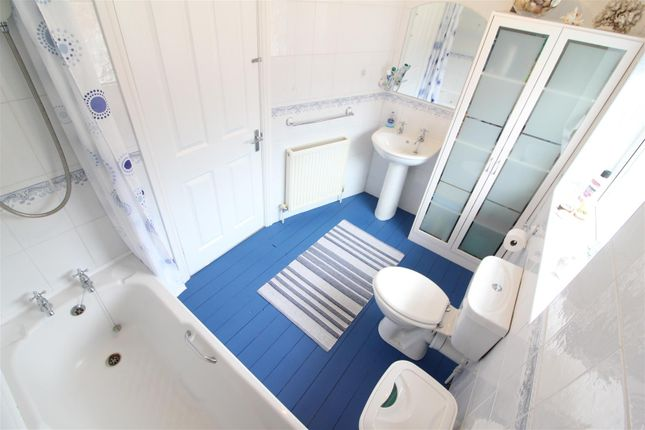 Bathroom of Park Avenue, Princes Avenue, Hull HU5