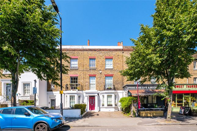 Thumbnail Terraced house for sale in Southgate Road, London