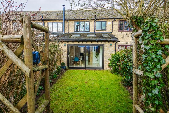 Thumbnail Cottage for sale in Leaside, Stoke Goldington