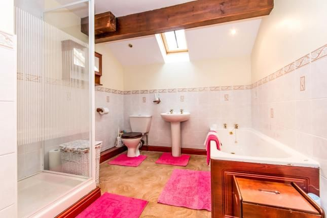Bathroom of Studd Brow, Whitworth, Rochdale, Lancashire OL12
