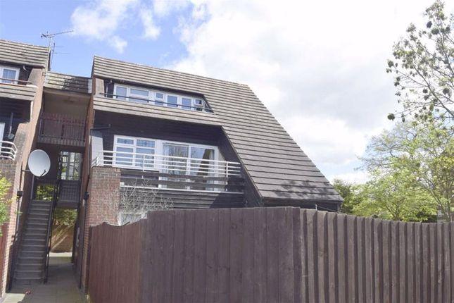 Thumbnail Flat to rent in Abingdon Court, Basildon, Essex