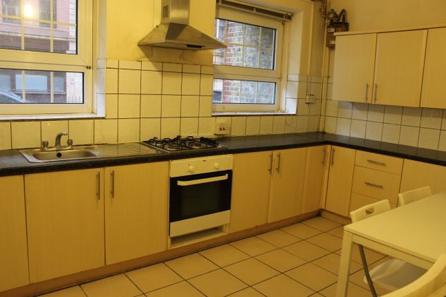 Thumbnail Flat to rent in Brune Street, Aldgate East (Liverpool Street)