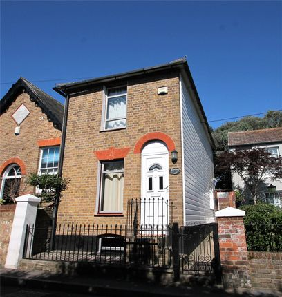 Thumbnail Detached house to rent in Lynsted Lane, Lynsted, Sittingbourne