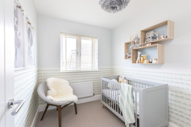 3 bedroom detached house for sale in Reigate Road, Horley