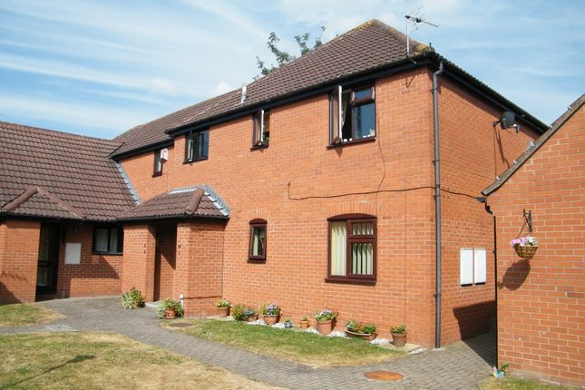 2 bed flat to rent in St Charles Court, Lower Bullingham HR2