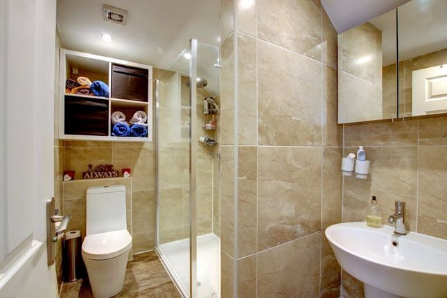 En Suite of Alcester Road, Studley B80