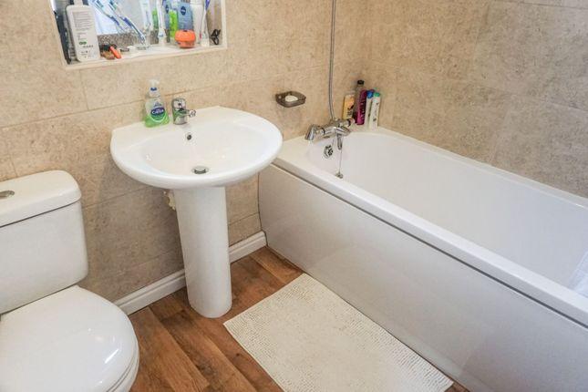 Bathroom of Alder Holt Drive, Bradford BD6