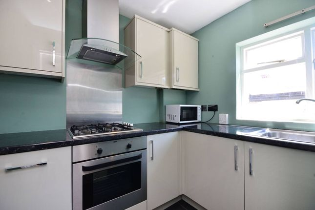 3 bed maisonette to rent in Fulham Palace Road, Bishop's Park