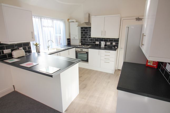 4 bed shared accommodation to rent in Borough Road, Middlesbrough TS1