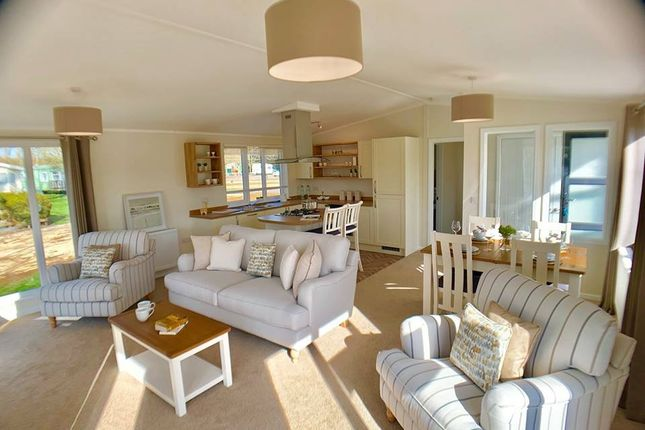 Lounge2 of Billing Aquadrome Holiday Park, Northampton, Northamptonshire NN3