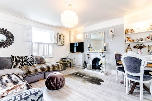 Thumbnail Flat to rent in Thorney Hedge Road, Chiswick