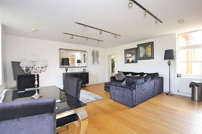 Thumbnail Flat for sale in Old St Michaels Drive, Braintree, Essex
