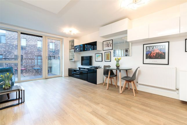 2 bed flat for sale in Oxley Square, Bromley By Bow E3