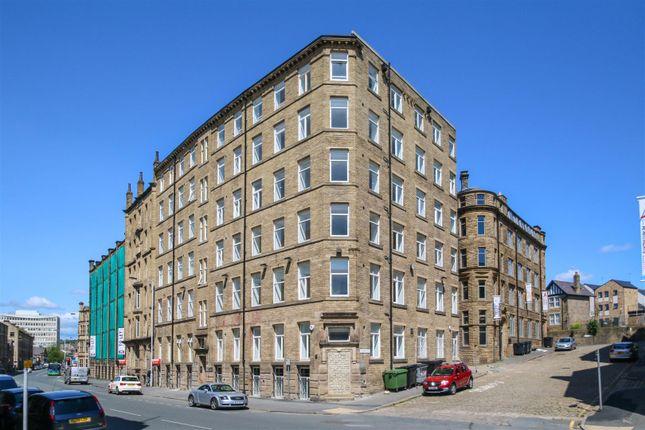 Thumbnail Flat to rent in 130 Sunbridge Road, Bradford