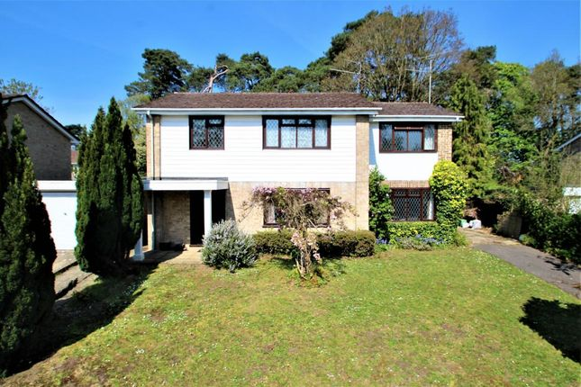 Thumbnail Detached house for sale in Goodwood Close, Burghfield Common