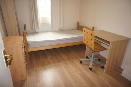 Thumbnail Shared accommodation to rent in Eversholt Street, Euston London