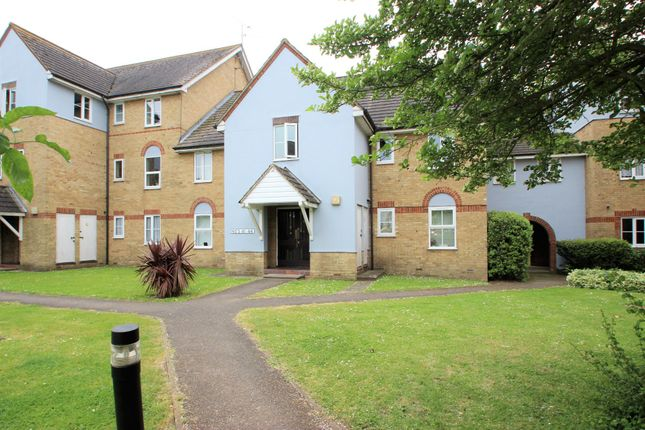 Thumbnail Flat for sale in London Road, Benfleet