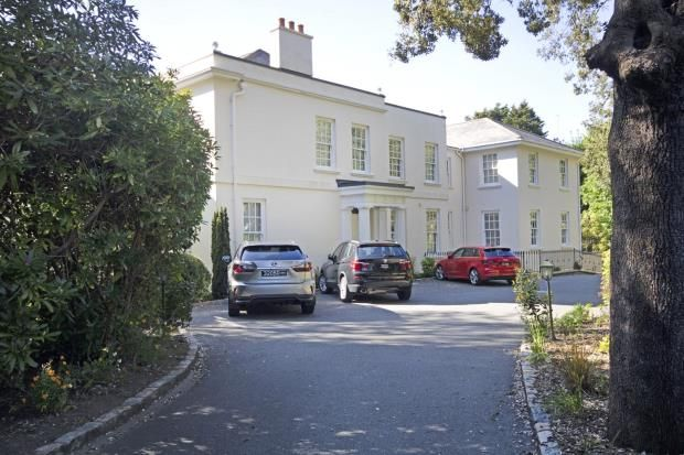 Thumbnail Flat for sale in Rohais Road, St Peter Port, Guernsey