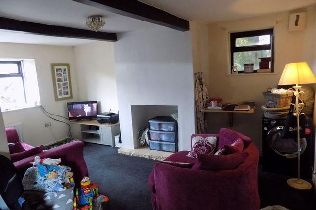 Lounge of Cliffe View, Allerton, Bradford BD15