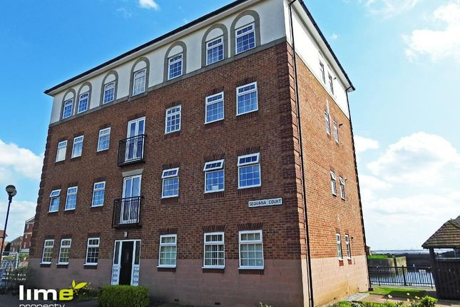 2 bed flat to rent in Sequana Court, Victoria Dock, Hull