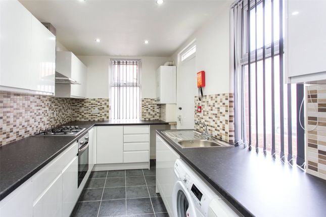 Thumbnail Terraced house for sale in Headingley Avenue, Leeds, West Yorkshire