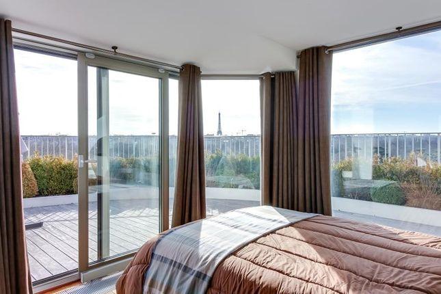 Bedroom of 92200 Neuilly-Sur-Seine, Neuilly-Sur-Seine (Commune), Neuilly-Sur-Seine, Nanterre, Hauts-De-Seine, Paris-Ile De France, Île-De-France