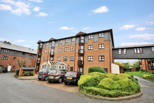 Thumbnail Flat for sale in Woodville Grove, Welling, Kent