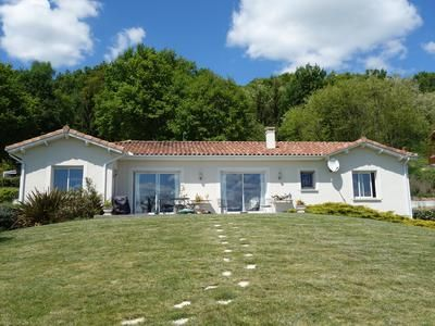 3 bed villa for sale in Ponlat-Taillebourg, Haute-Garonne, France
